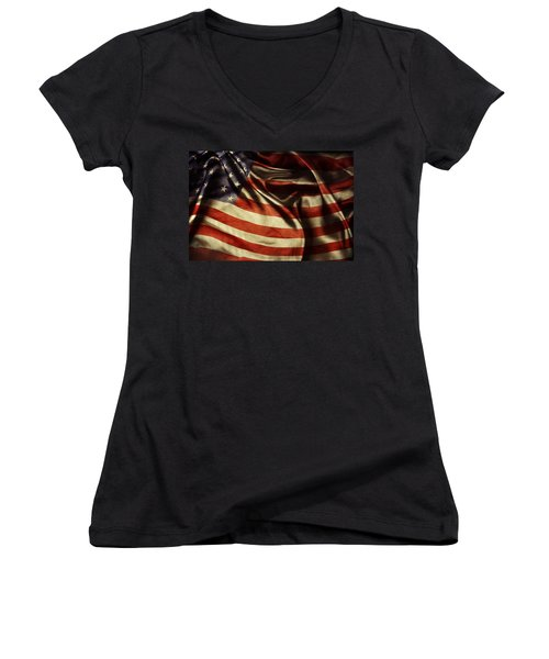 American Flag  Women's V-Neck T-Shirt (Junior Cut) by Les Cunliffe
