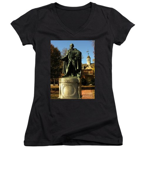 William And Mary College With Wren Building Women's V-Neck T-Shirt