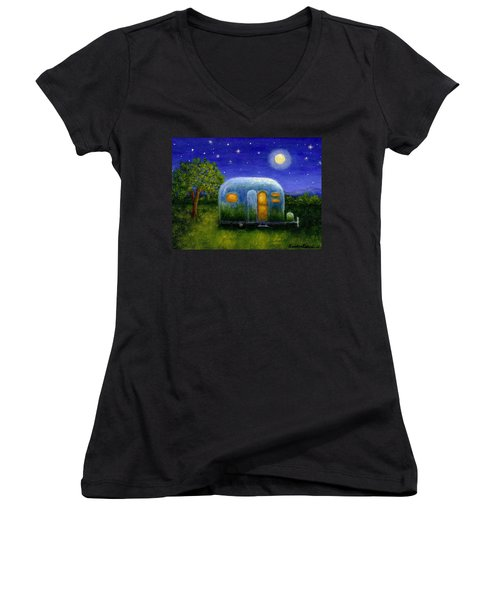Airstream Camper Under The Stars Women's V-Neck T-Shirt (Junior Cut) by Sandra Estes