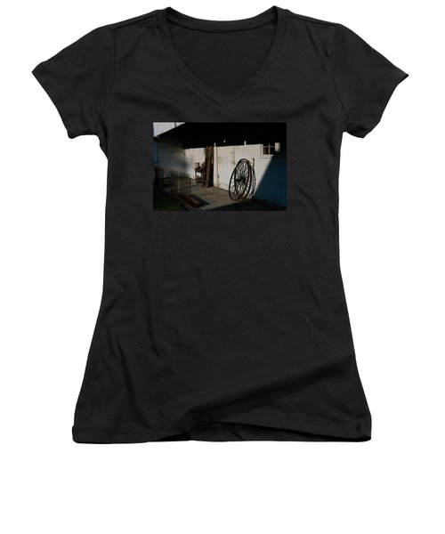 Amish Buggy Wheel Women's V-Neck T-Shirt