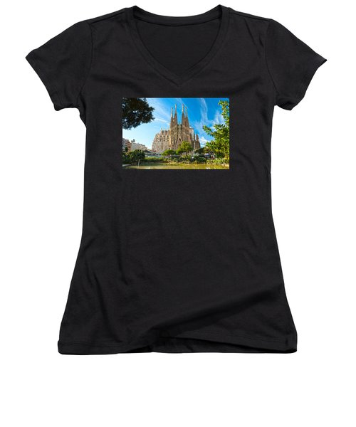 Barcelona - La Sagrada Familia Women's V-Neck T-Shirt