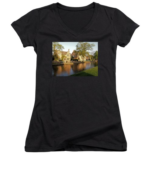 Bourton On The Water Women's V-Neck T-Shirt