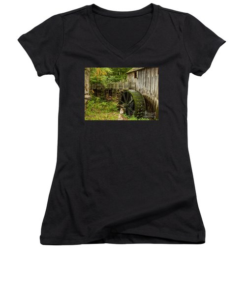 Cable Mill Cades Cove Women's V-Neck (Athletic Fit)