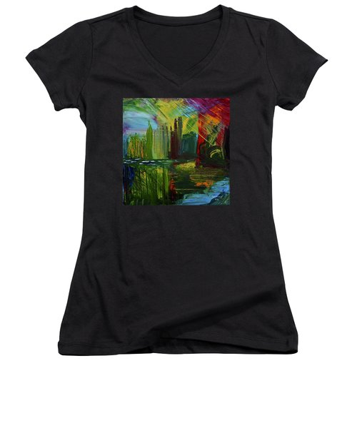 Chicago City Scape Women's V-Neck T-Shirt