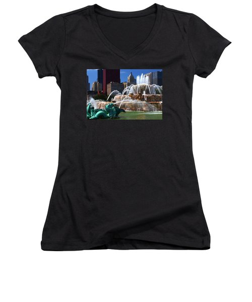 Chicago Skyline Grant Park Fountain Women's V-Neck