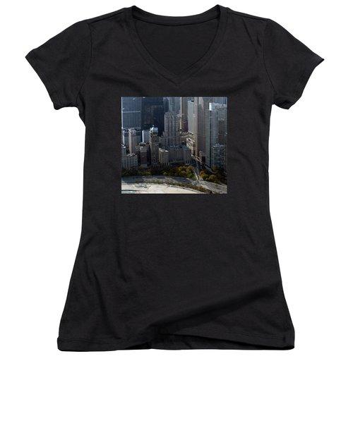 Chicago The Drake Women's V-Neck T-Shirt