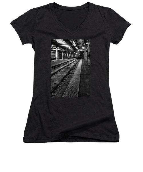 Chicago Union Station Women's V-Neck (Athletic Fit)