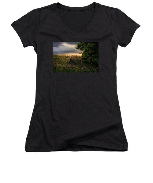 Countryside  Women's V-Neck T-Shirt