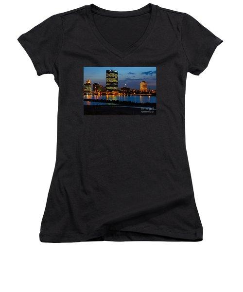 D12u152 Toledo Ohio Skyline Photo Women's V-Neck