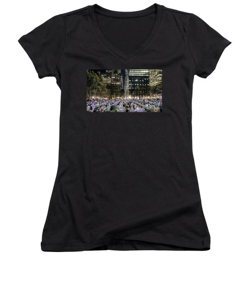 Diner En Blanc New York 2013 Women's V-Neck (Athletic Fit)
