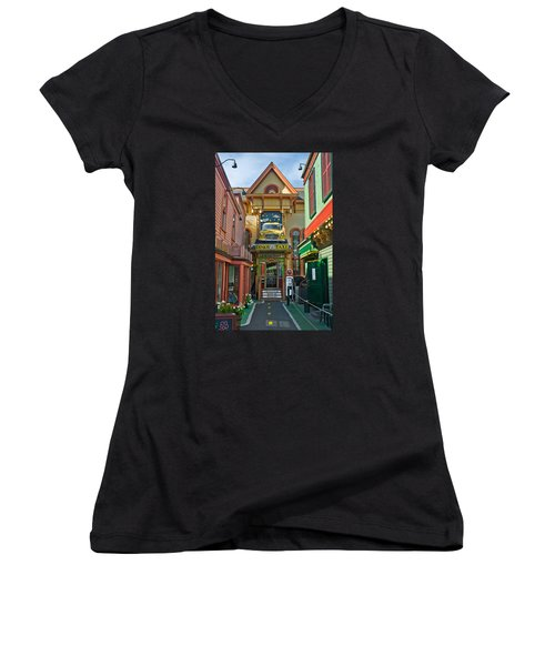 Dinks Taxi In Bar Harbor Women's V-Neck T-Shirt