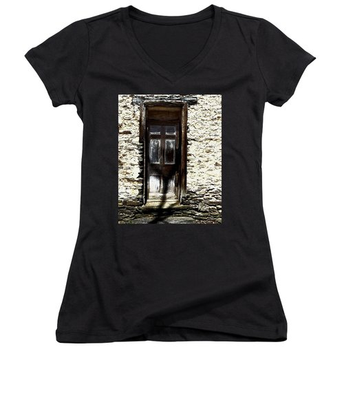 Door 3769 Women's V-Neck