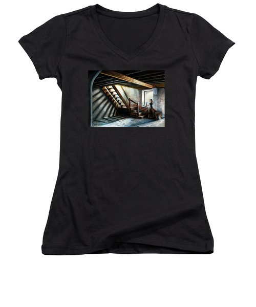 Drayton Hall- A Quiet Moment Women's V-Neck T-Shirt