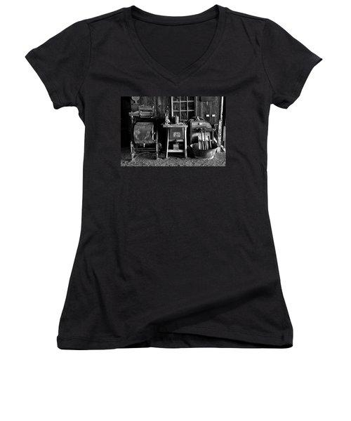 Farm Antiques Women's V-Neck T-Shirt