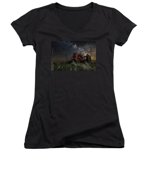 Farming The Rift Women's V-Neck T-Shirt