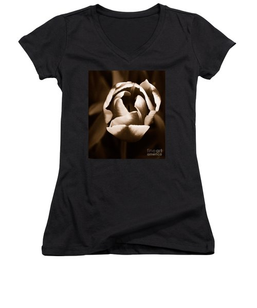 Fine Art - Tulip Women's V-Neck
