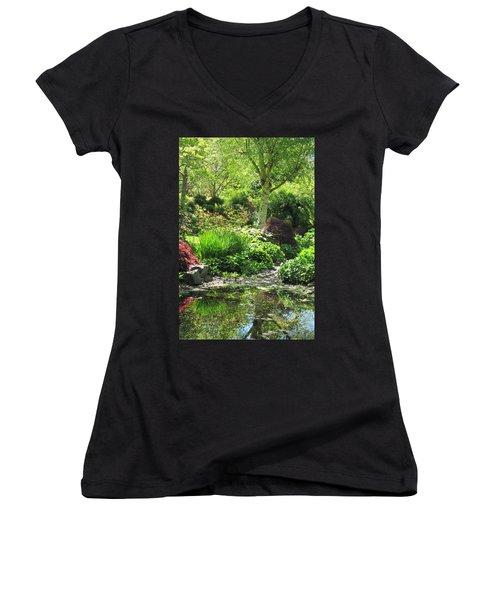 Finnerty Gardens Pond Women's V-Neck T-Shirt