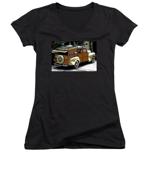 Ford Woodie Women's V-Neck T-Shirt (Junior Cut)