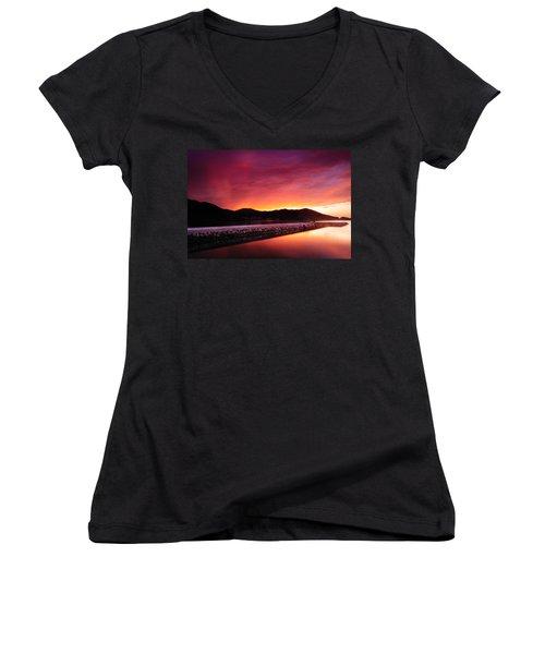 Geoje Skyfire Women's V-Neck T-Shirt