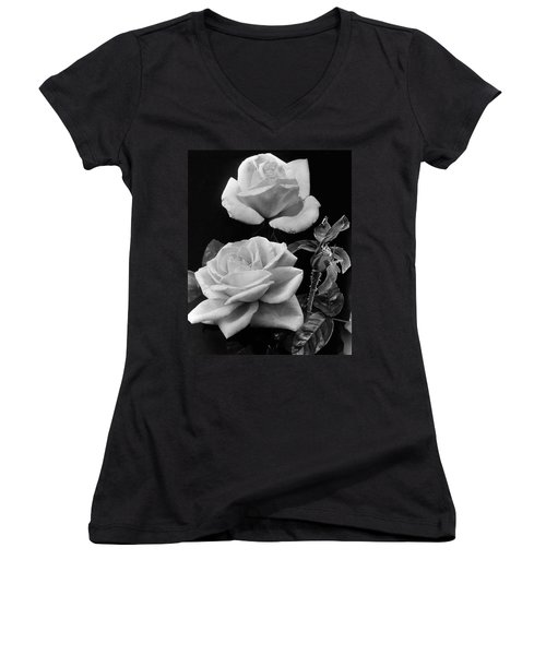 'george Arends' Roses Women's V-Neck
