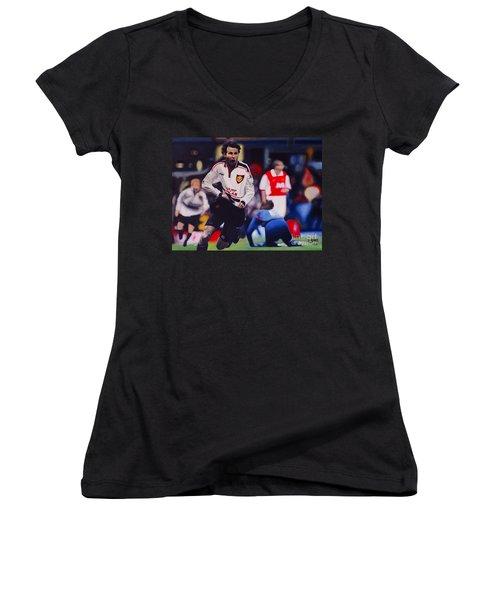 Giggs Goal V Arsenal Oil On Canvas Women's V-Neck (Athletic Fit)