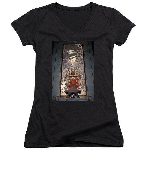 Grauman's Artwork Women's V-Neck T-Shirt