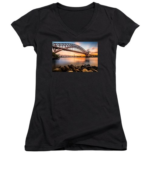 Hell Gate And Triboro Bridge At Sunset Women's V-Neck T-Shirt
