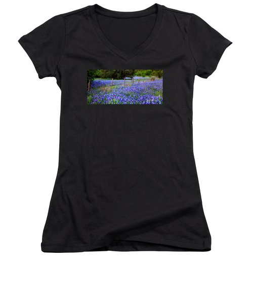 Hill Country Heaven - Texas Bluebonnets Wildflowers Landscape Fence Flowers Women's V-Neck T-Shirt