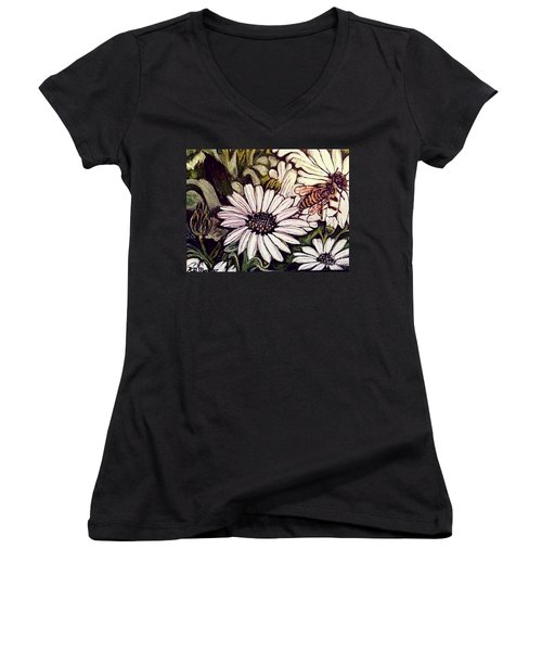 Honeybee Cruzing The Daisies Women's V-Neck (Athletic Fit)