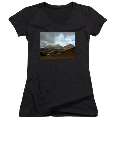 Hurricane Pass Women's V-Neck (Athletic Fit)