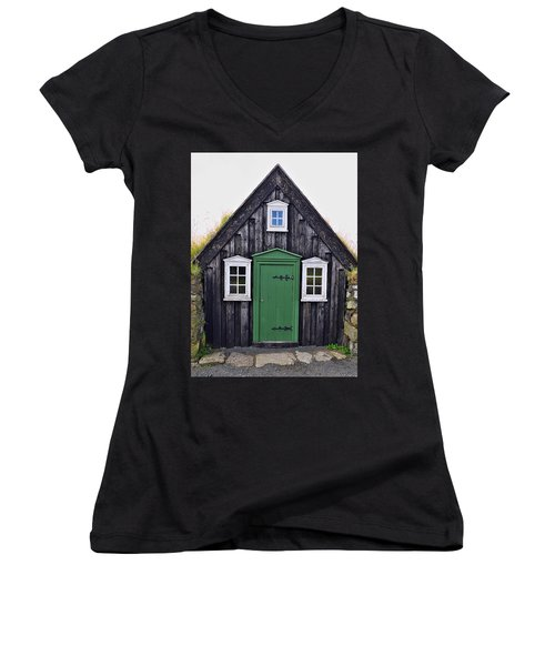 Icelandic Old House Women's V-Neck (Athletic Fit)