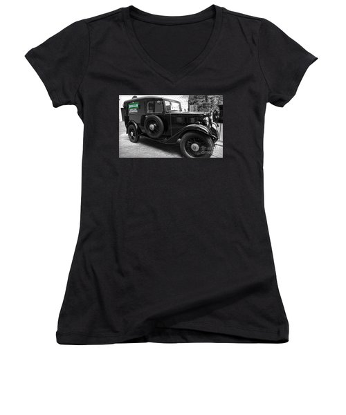 Kilbeggan Distillery's Old Car Women's V-Neck T-Shirt (Junior Cut) by RicardMN Photography
