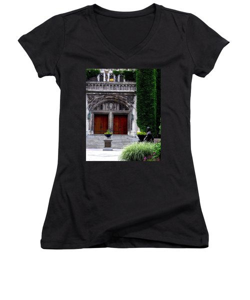 Lehigh University Leadership Plaza Bethlehem Pa Women's V-Neck T-Shirt
