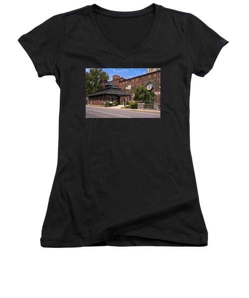 Lititz Pennsylvania Women's V-Neck T-Shirt