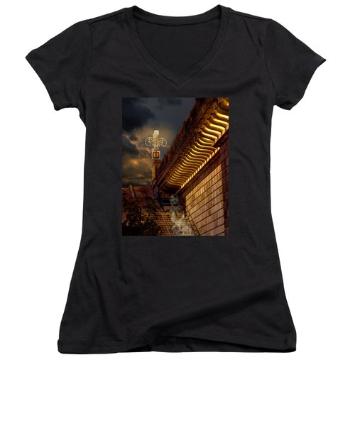 London Bridge Spirits Women's V-Neck T-Shirt