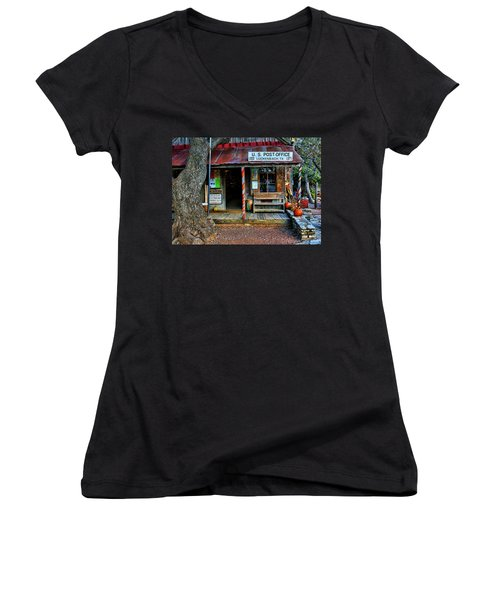 Luckenbach Texas Women's V-Neck T-Shirt