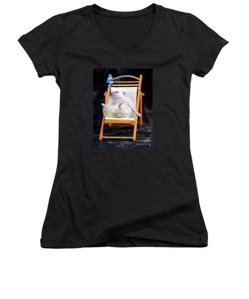 Lyla Sunbathing Women's V-Neck T-Shirt