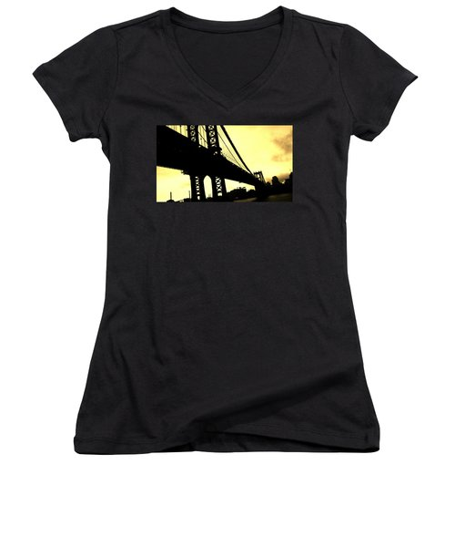Manhattan Bridge Women's V-Neck