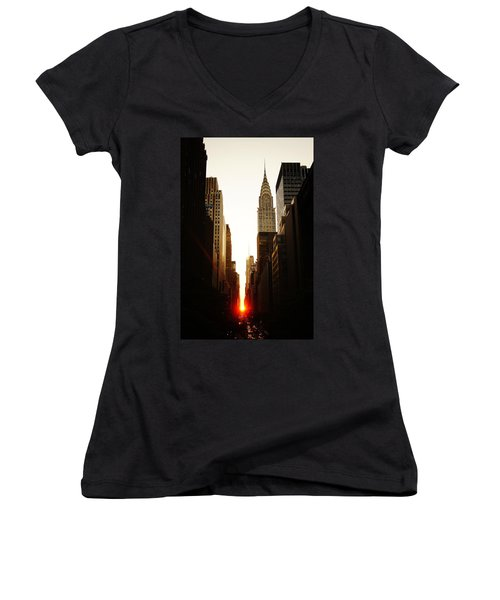 Manhattanhenge Sunset And The Chrysler Building  Women's V-Neck T-Shirt (Junior Cut) by Vivienne Gucwa