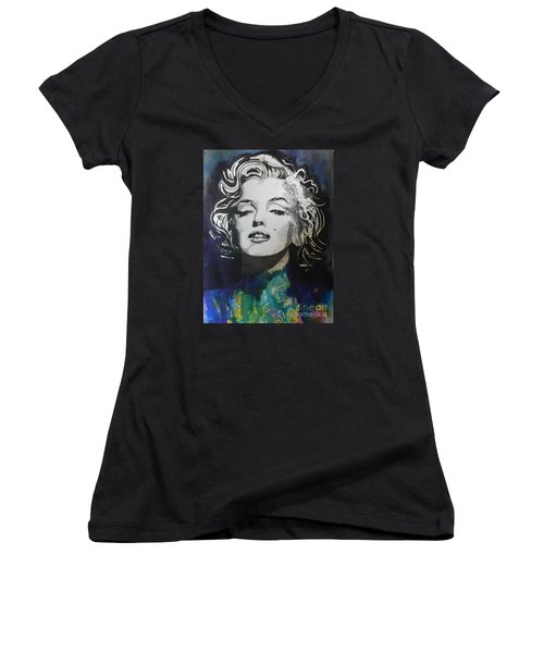 Marilyn Monroe..2 Women's V-Neck T-Shirt
