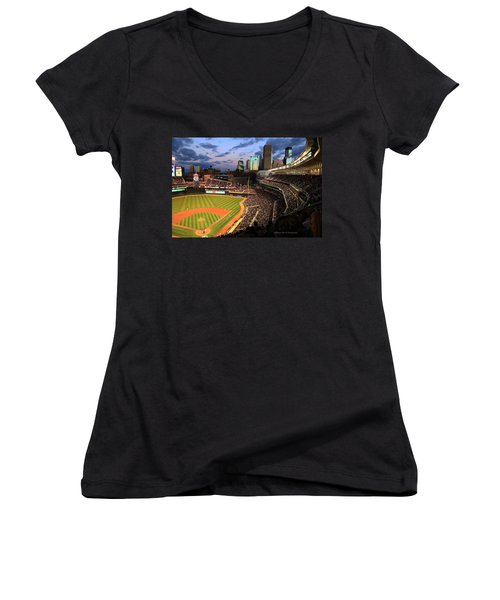 Minnesota Twins Minneapolis Skyline Target Field Women's V-Neck (Athletic Fit)