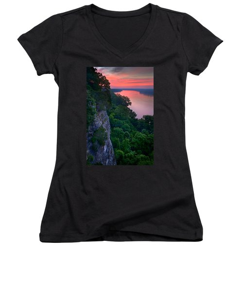 Missouri River Bluffs Women's V-Neck (Athletic Fit)