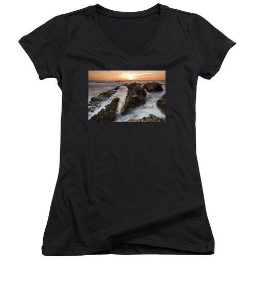 Montana De Oro Sunset 1 Women's V-Neck T-Shirt (Junior Cut)