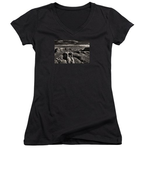 Monument Canyon Monolith Women's V-Neck (Athletic Fit)