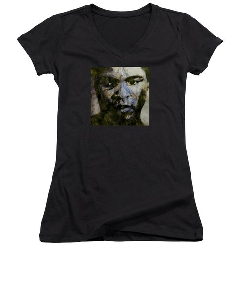 Muhammad Ali  A Change Is Gonna Come Women's V-Neck T-Shirt (Junior Cut) by Paul Lovering