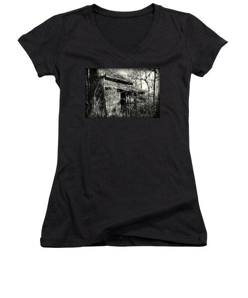 Old Barn In Black And White Women's V-Neck