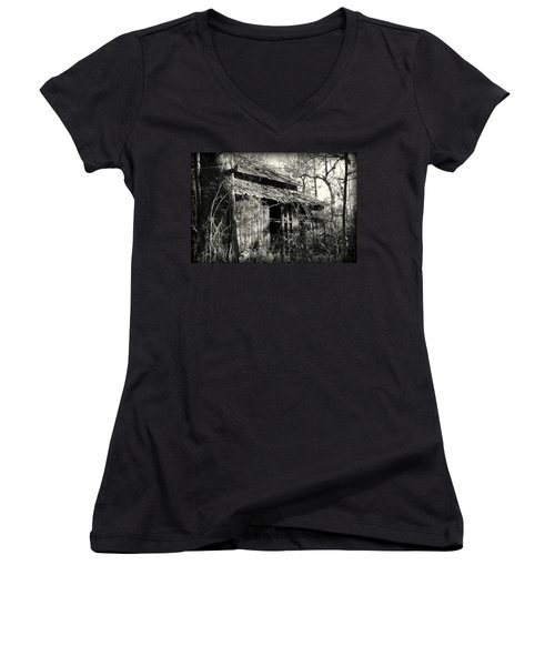 Old Barn In Black And White Women's V-Neck