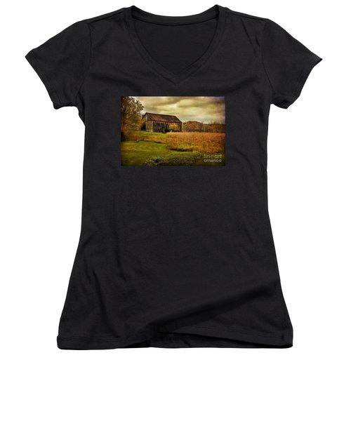 Old Barn In October Women's V-Neck T-Shirt
