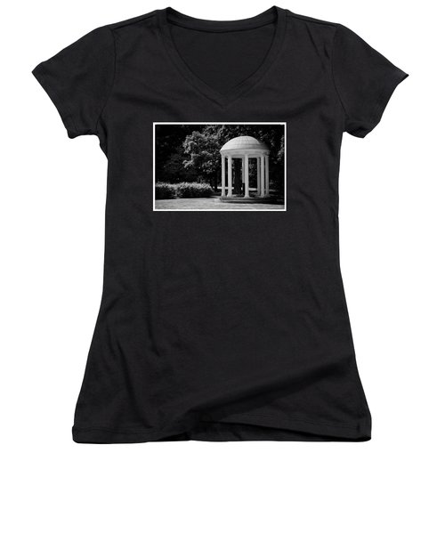 Old Well At Unc Women's V-Neck