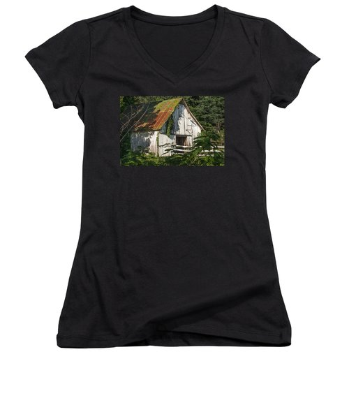 Old Whitewashed Barn In Tennessee Women's V-Neck T-Shirt (Junior Cut) by Debbie Karnes